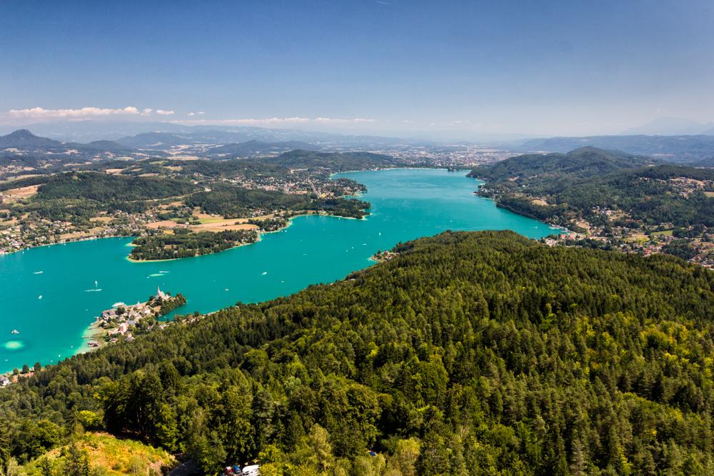 Aussicht vom Pyramidenkogel - Der Wörthersee in Richtung Klagenfurt