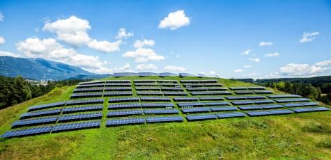 Kelag Photovoltaik Anlagen am Sonnenhügel in Villach in Kärnten neben der Infinion