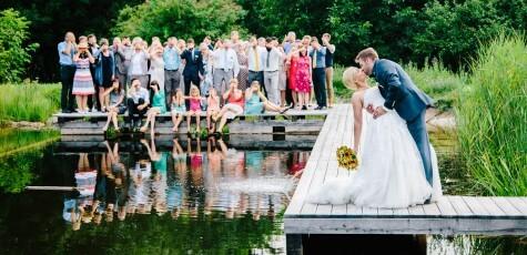 Kreatives Gruppenfoto bei einer Hochzeit