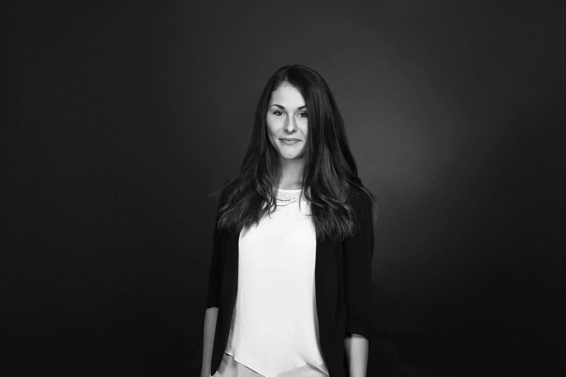Businesspotrait - Bewerbungsfoto - Portrait - Businessfrau - Fotograuf aus Klagenfurt, Kärnten Österreich (2)