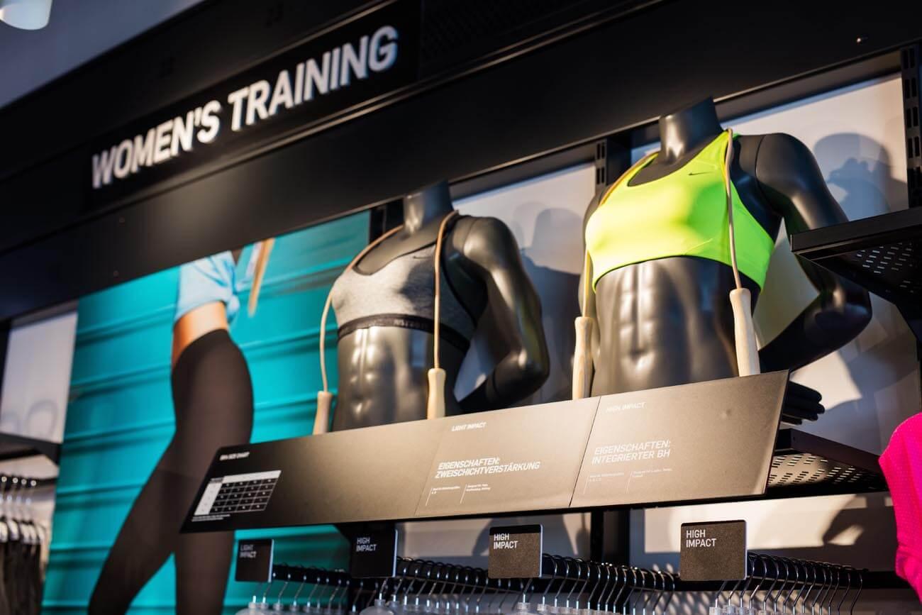 Shopfotografie, Geschäftsfotografie. Innenaufnahmen, Innenarchitektur, Geschäftsfotograf für Nike in Klagenfurt