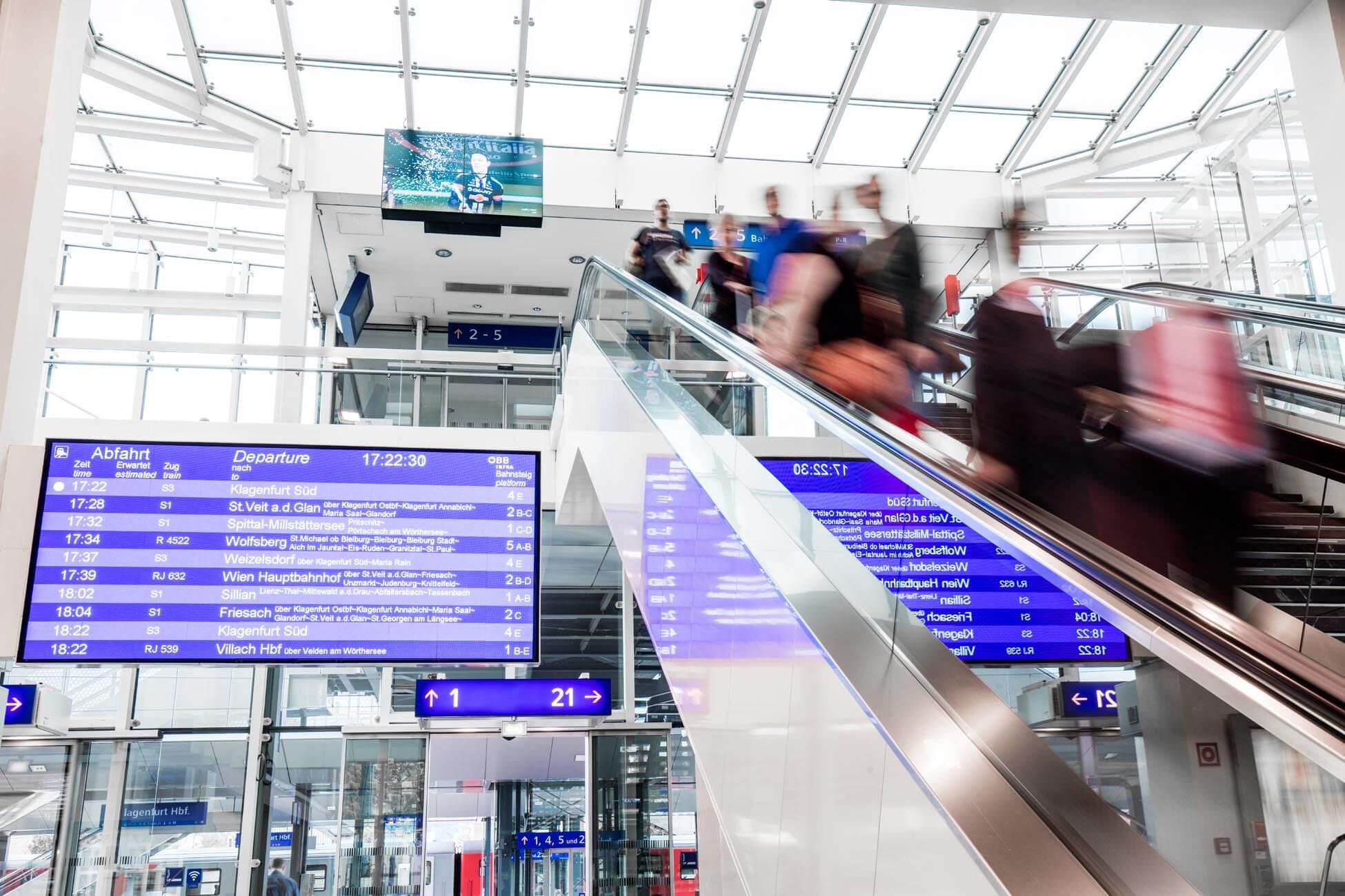 Werbefotografie am Klagenfurter Bahnhof für ÖBB Werbung (1)
